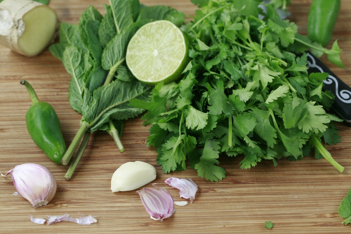Fresh Ingredients for the Coriander and Mint Chutney