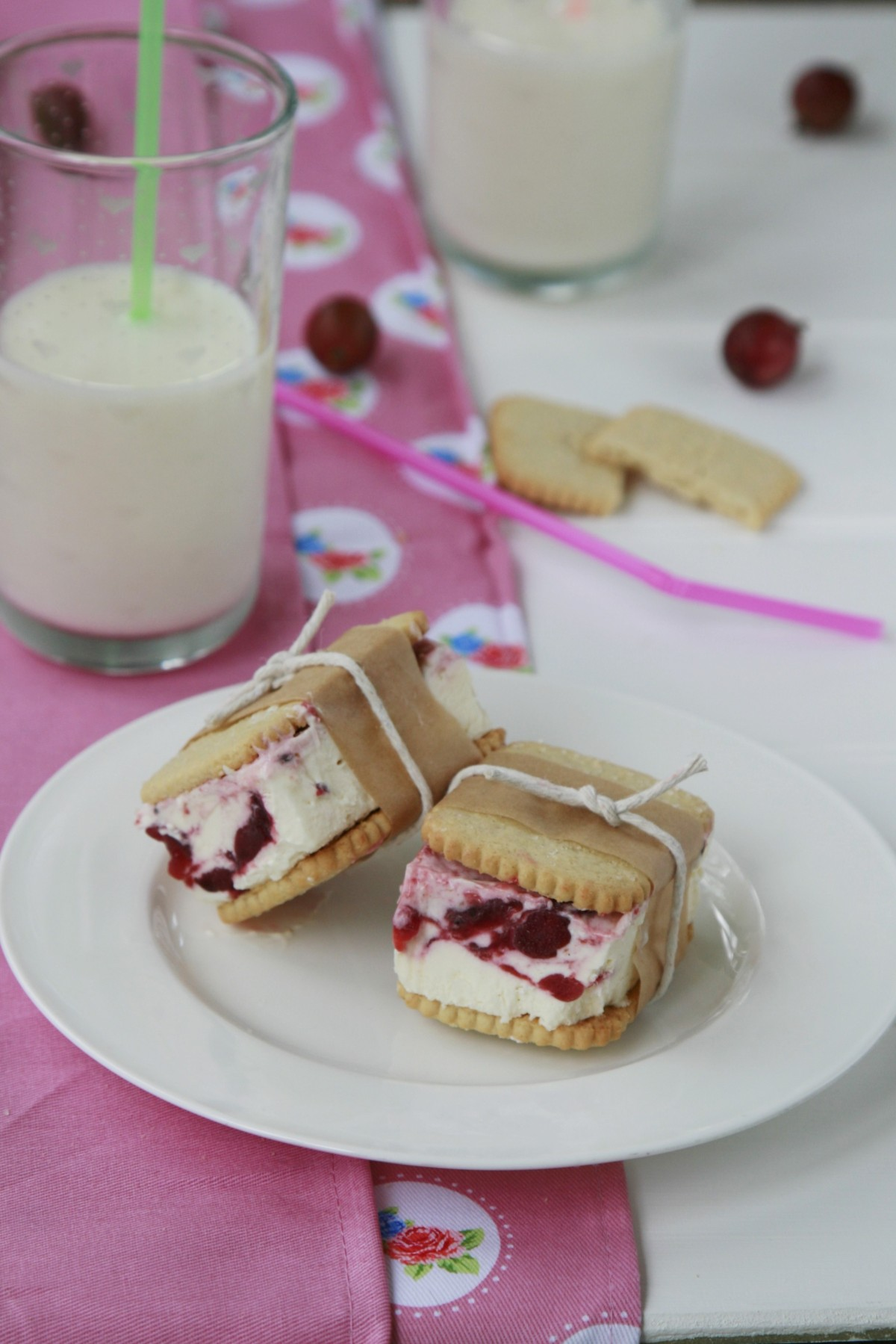ice cream sandwiches for a home-made childrens treat