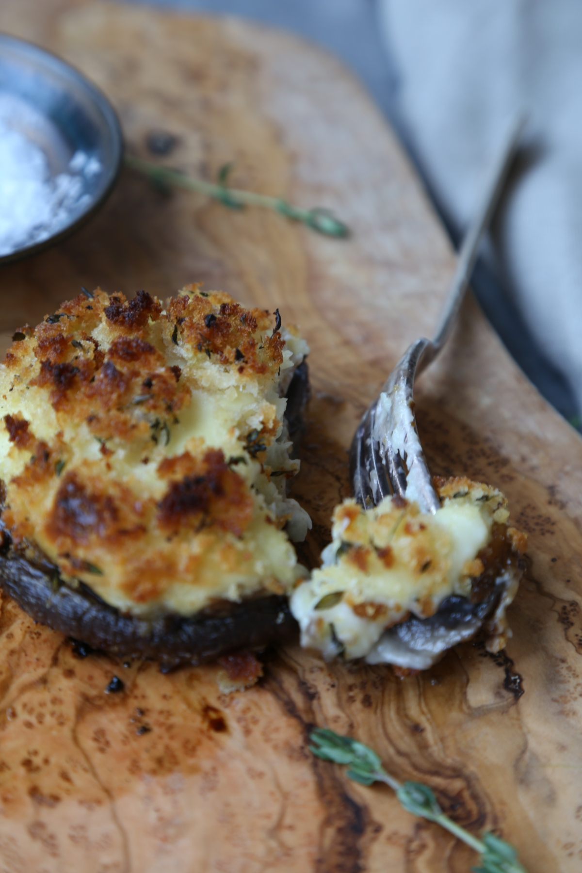 Stuffed mushroom with parsnip puree and garlic bread crumbs